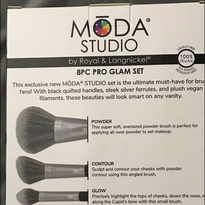 Moda Makeup - MODA 8 Black Quilted Handle Brush Set. BNIB